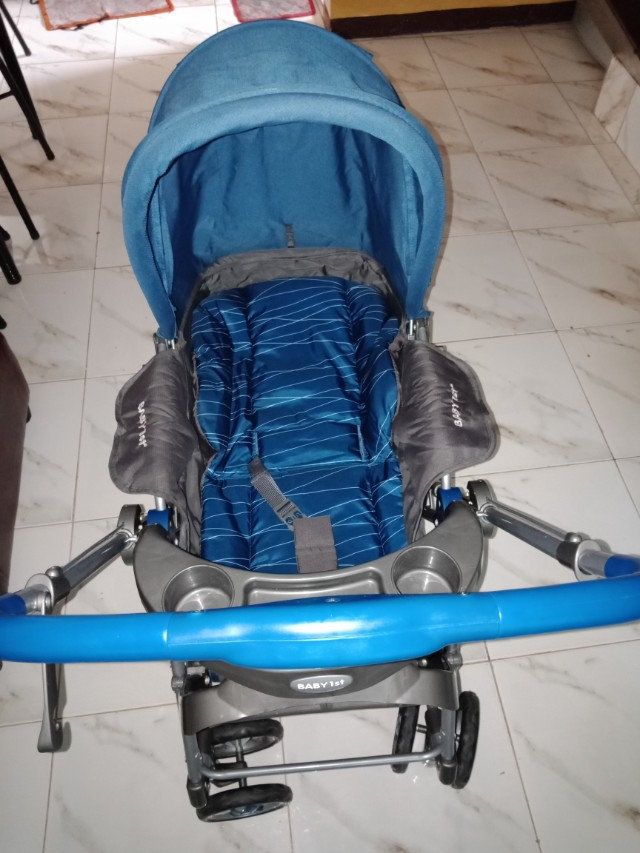 REPRICE!!!Baby 1st stroller convertible to rocker w/ reversible handle