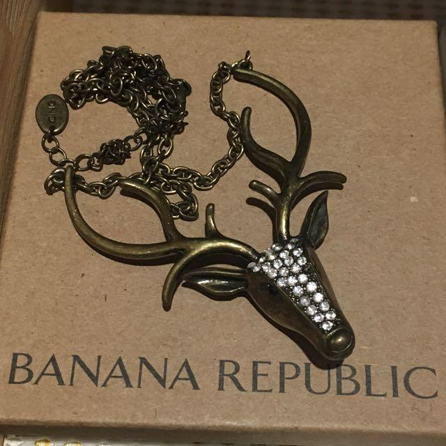 Banana republic deer necklace