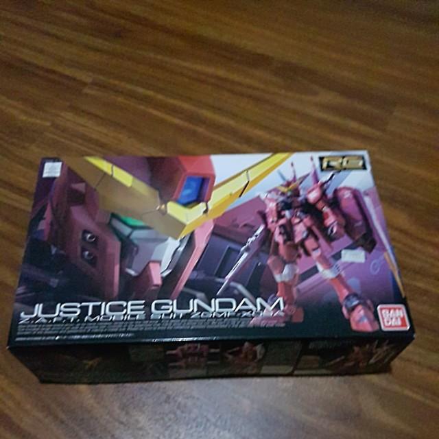 Bandai Justice Gundam RG