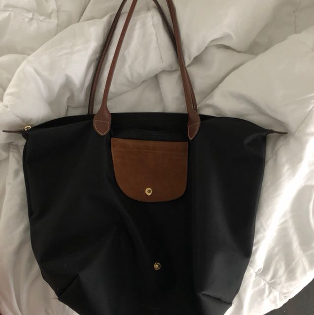 BLACK LONGCHAMP BAG
