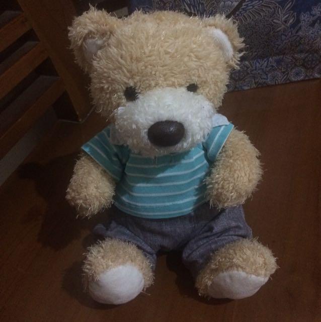 Boneka teddy bear kecil