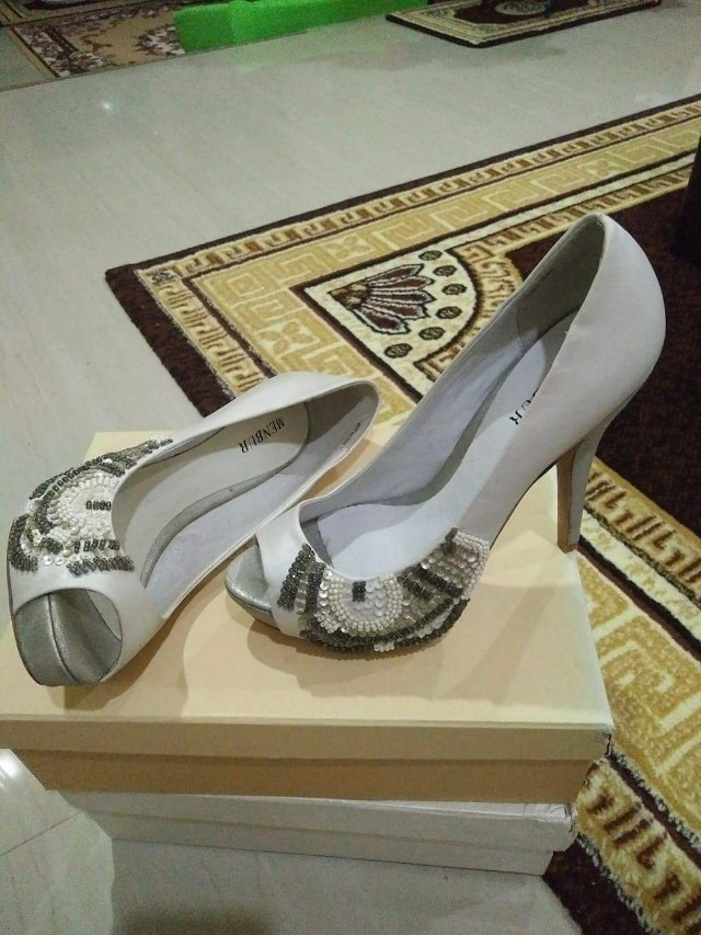 Brand new: wedding shoes