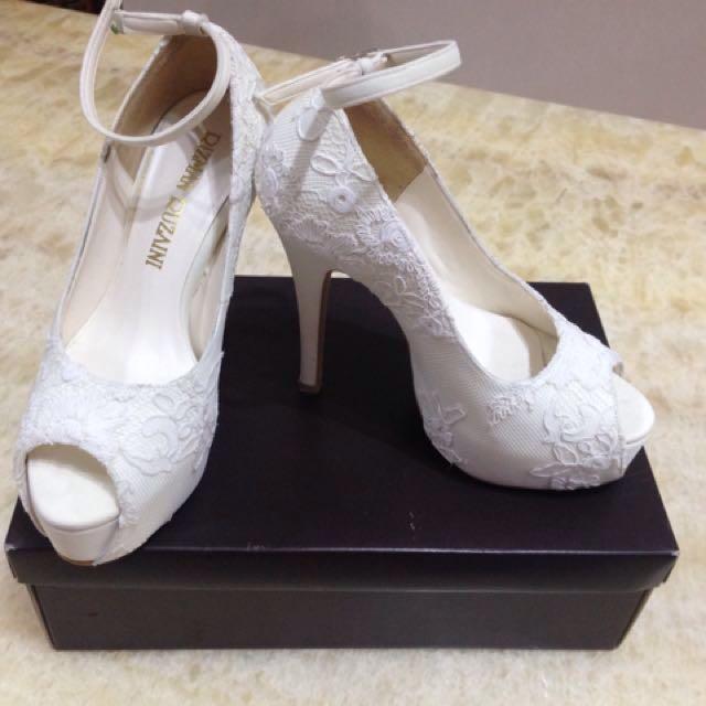 Bridal Shoes Kasut Kahwin Wedding Shoes Women S Fashion Shoes On Carousell