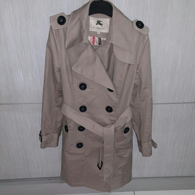 Burberry trench coat size XL