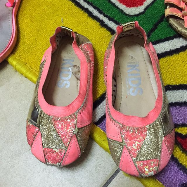 Free post-Cotton On girls shoes