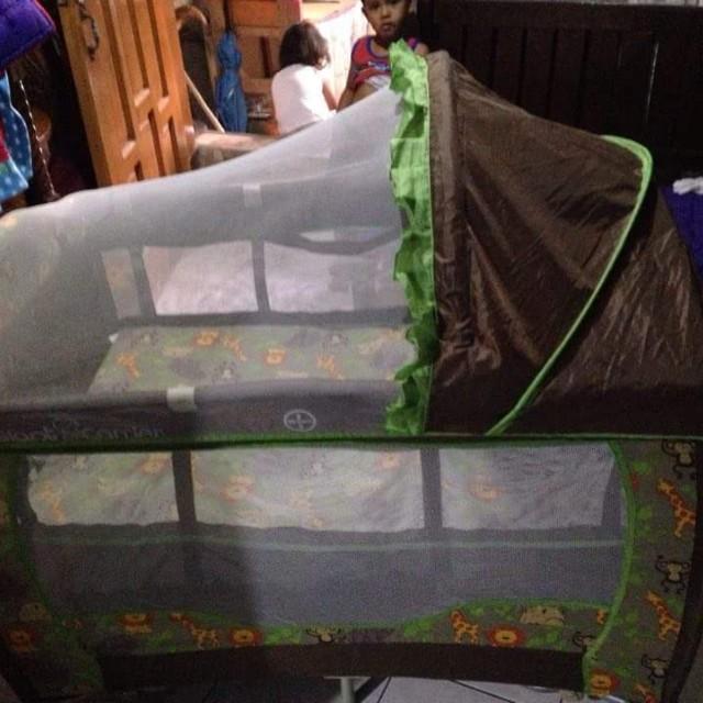 Giant Carrier Crib