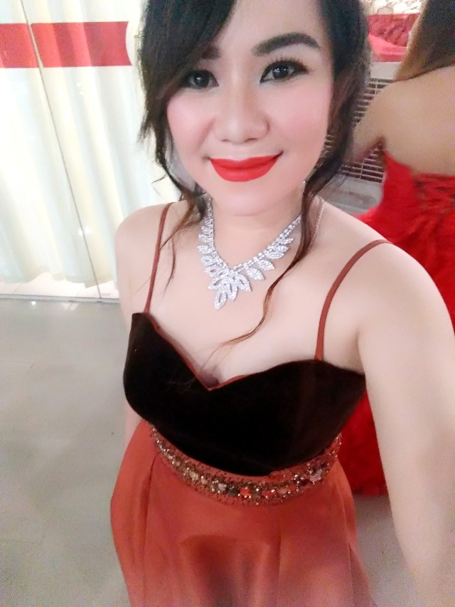 Gown for rent 500