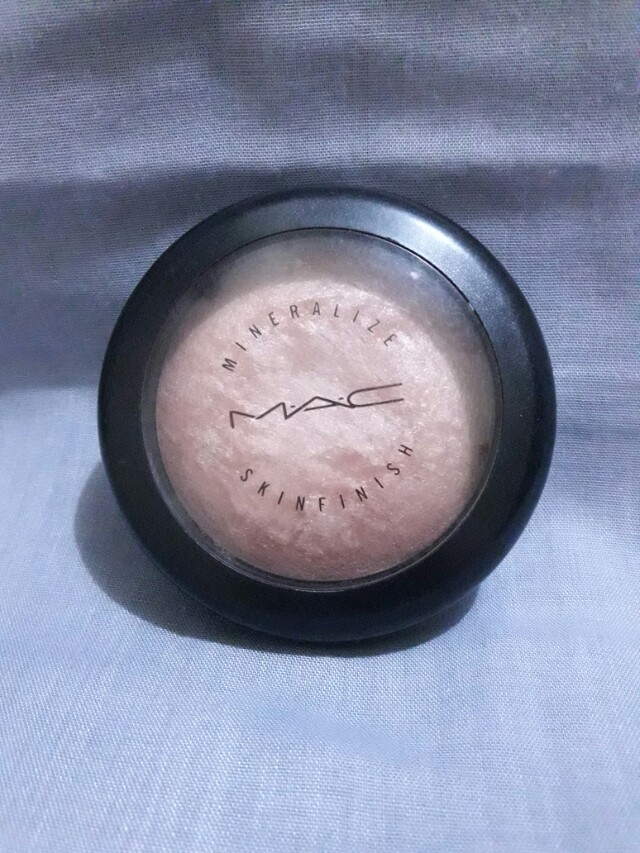 "Highliter "" soft and gentle "" by MAC"