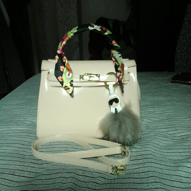 Kelly  jelly  bag with  twillie  and  charm
