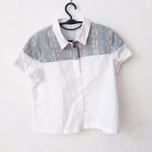 LACE EMBROIDERED WHITE BOXY POPLIN STYLE TOP