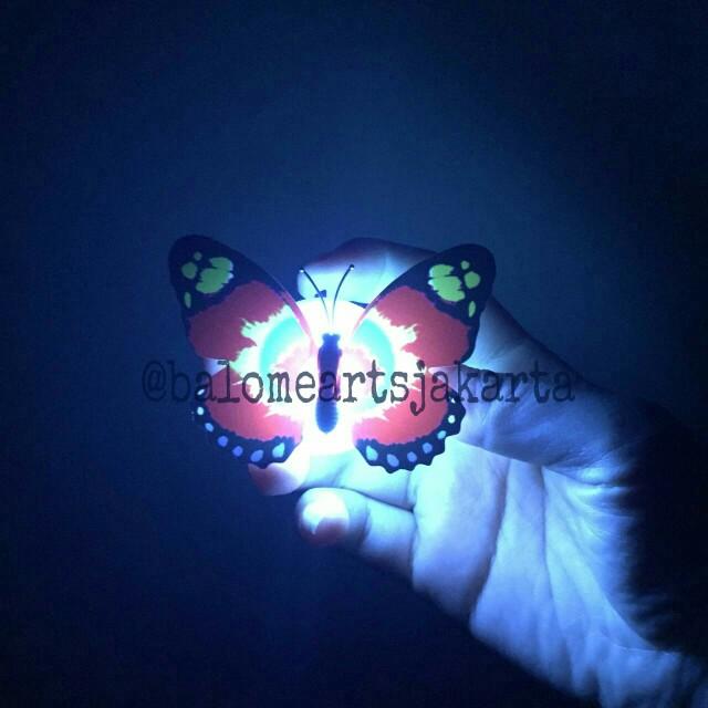 Lampu LED kupu-kupu hiasan dinding