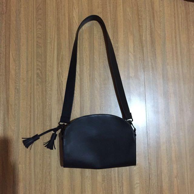 Lova sling bag