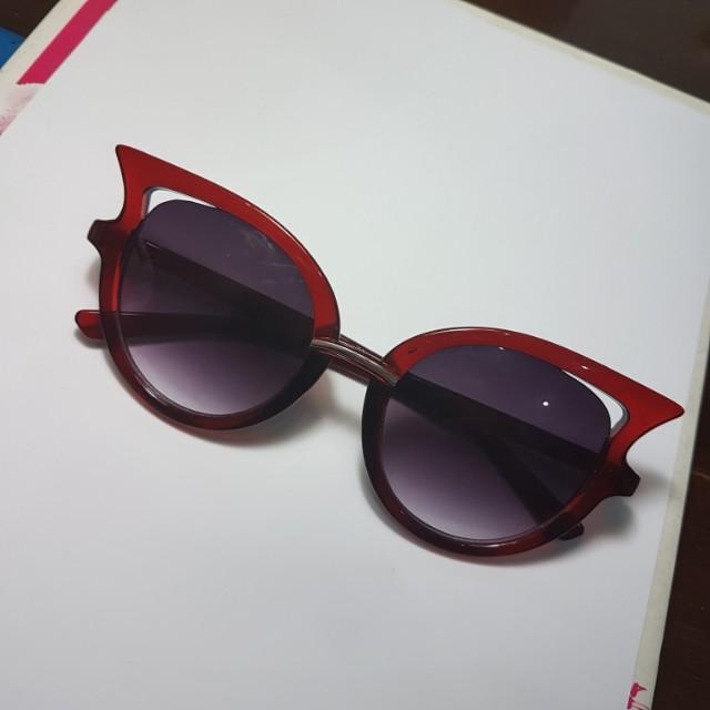 [TURUN HARGA] Maroon Cateye Sunglasses