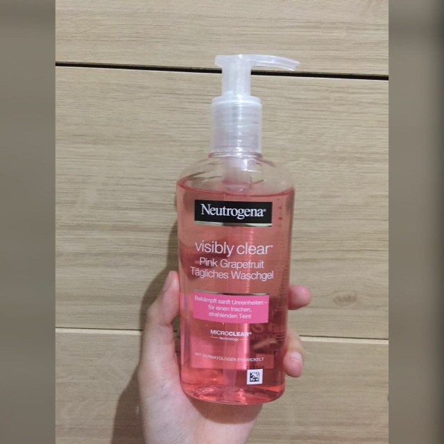 Netrogena Pink Grapefruit Facial Wash