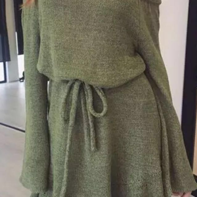 New knitted off the shoulder sweater dress, Sz Sm/Med
