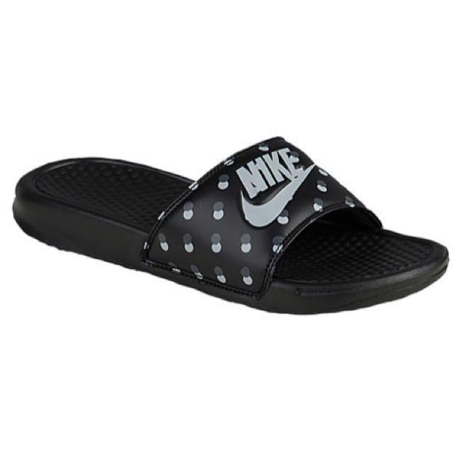 4cd9f0dce Nike Benassi Polka Dot Slide Sandals on Carousell