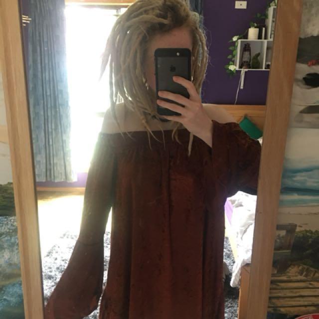 Off the shoulder dress flared sleeves