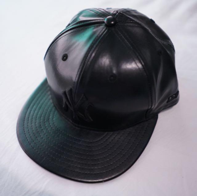 PRELOVED new era black cap