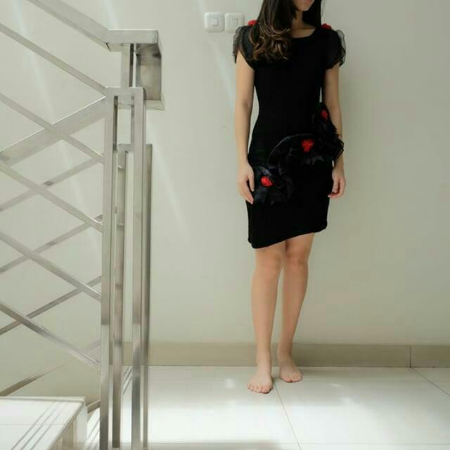 Rose Black Dress