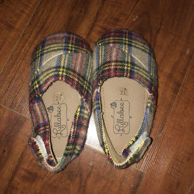 Sepatu bayi/anak