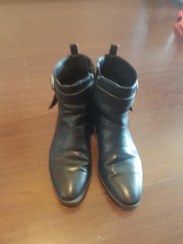 Sepatu boots zipper