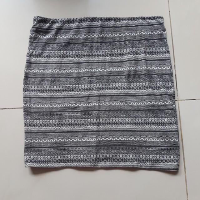 pull&bear Tribal bodycon skirt