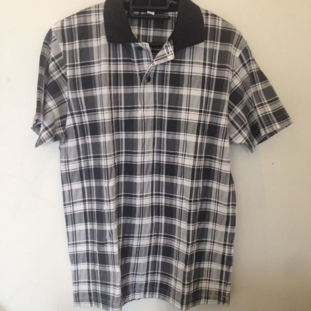 Uniqlo Polo Shirt ( kotak2)