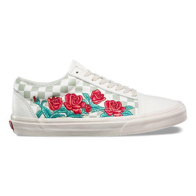 375a0304ae Vans Rose Embroidered Old Skool DX