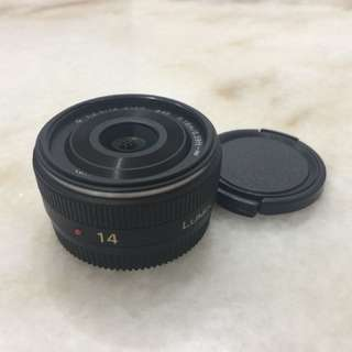 Panasonic Lumix 14mm pancake lens