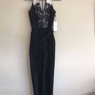 Karen Millen Size 8 Lace Embostered Pant Suit