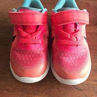 Kids Nike Free Run (UK 5.5)