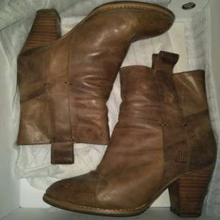 Camel coloured boots
