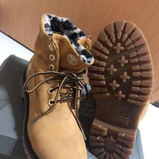 🚚 Timberland全新黃靴