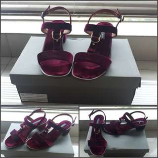 Charles And Keith size 35