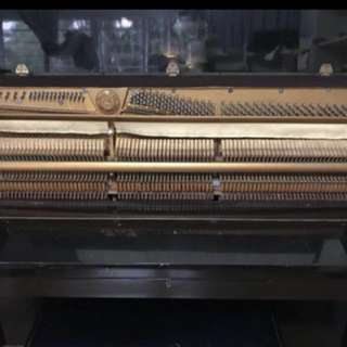 Upfront piano in good condition