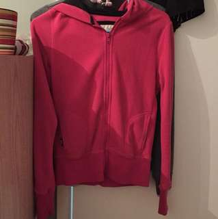 xs pink zip up could fit xs-s