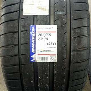 265/35/18 Pilot Sport 4 Michelin tyre
