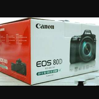CANON Eos 80D EF-S 18-135mm IS USM Kit