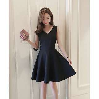 🚚 赫本V領氣質小黑裙(3XL)