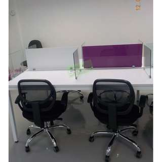 LINEAR WORKSTATIONS WITH GLASS DIVIDER PURPLE  WHITE STICKER