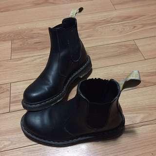 Unisex Vegan Doc Martens Slip-Ons Black Size 9