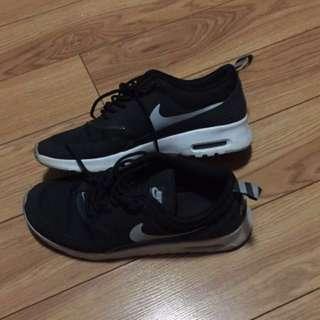 Nike Air Max Thea Black Size 9