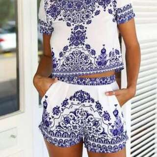Porcelain print crop top and shorts
