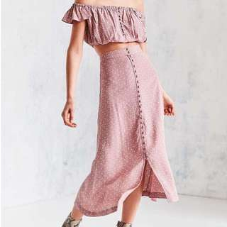 BOHO STYLE TERNO OFF SHOULDER AND BUTTON DOWN SKIRT
