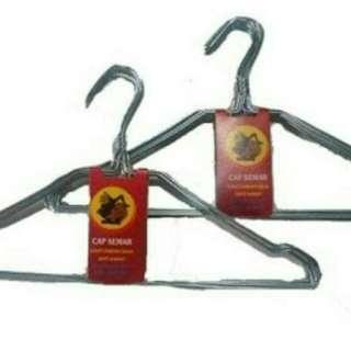 Hanger baju / gantungan baju