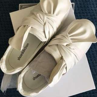 Shoeddiction 37, never worn