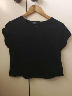 Black cropped T-shirt