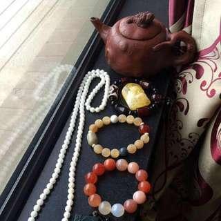 佛牌,南紅串,羚羊串,硨磲鏈,金蟾紫砂壺