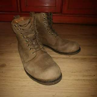Vintage Timberland Boots (working / daily) - 2012