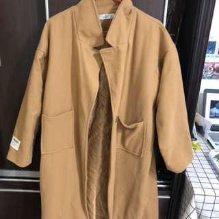 🚚 《二手》駝色大衣